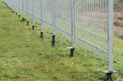 Забор на сваях своими руками 713