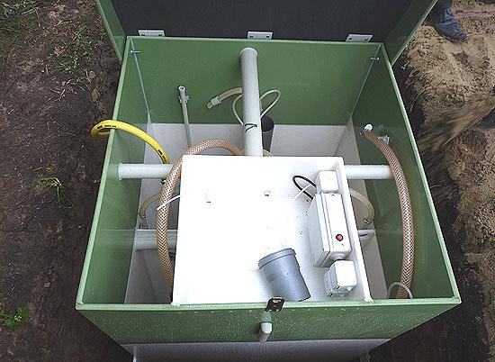 Внутреннее устройство автономной канализации.