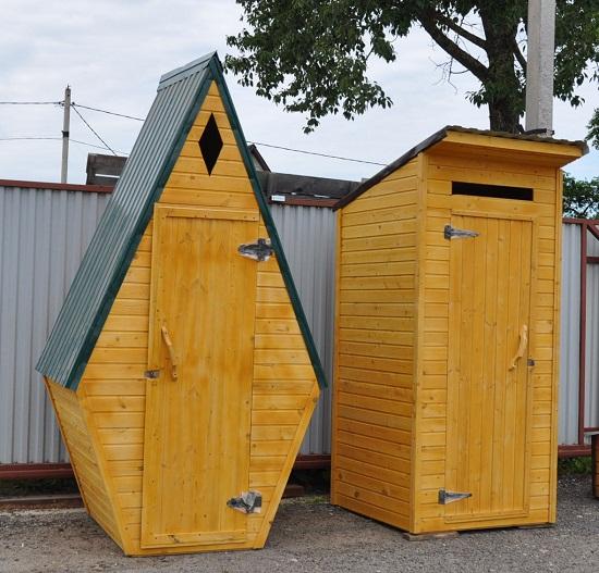 Как построить интересный туалет на даче? Сделать его необычной формы.
