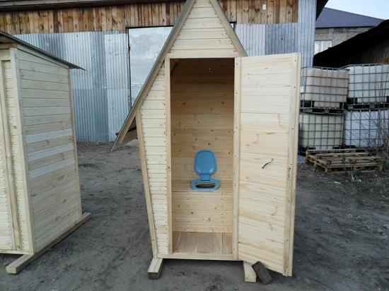 Туалет для дачи из дерева своими руками фото 4