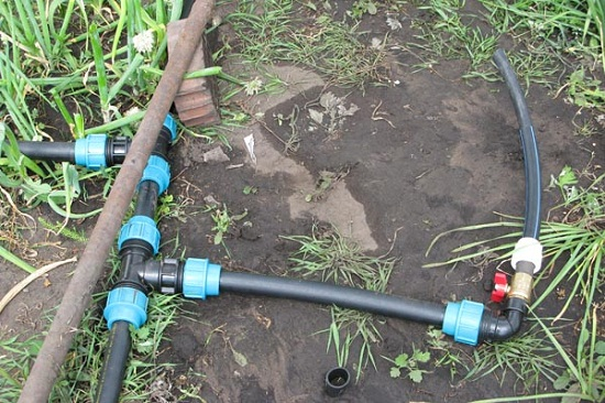 Как провести летний водопровод самому