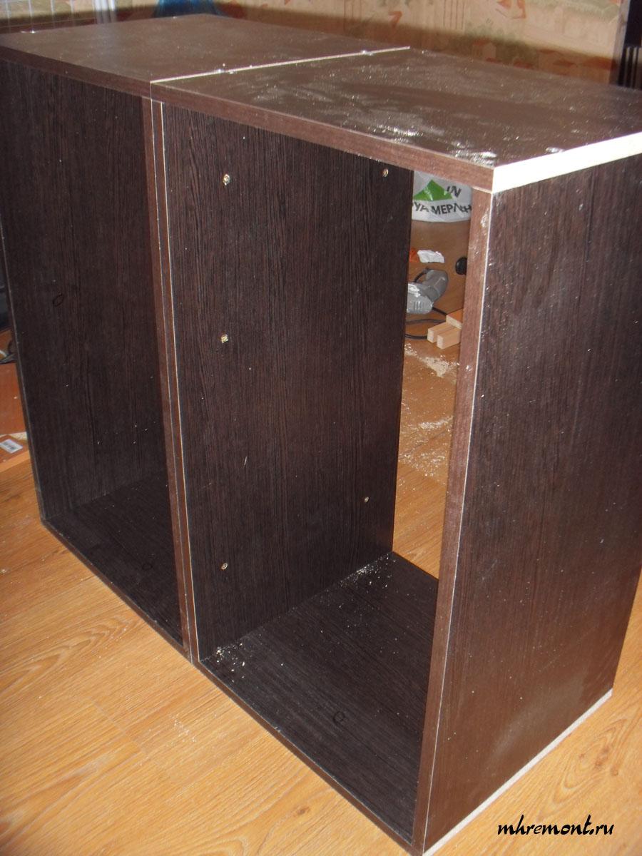 Стяжка шкафов. На фото стяжка выполнена саморезами длиной 30 мм.
