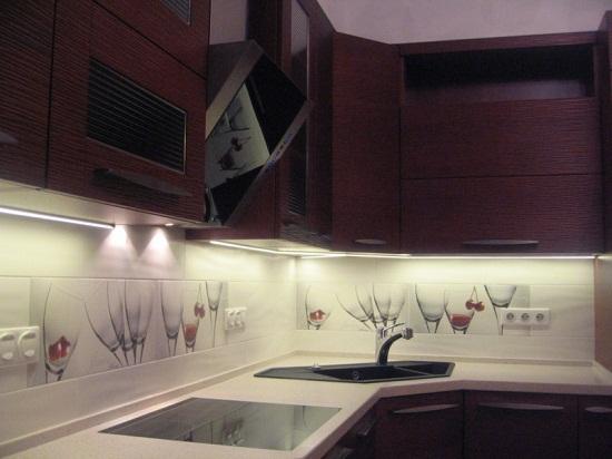 Светодиодные светильники для кухонной мебели.