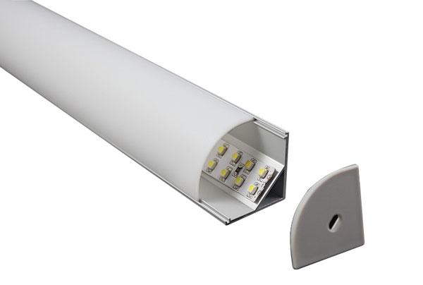 Короба для монтажа светодиодный ленты решают несколько важных задач. Охлаждение диодов и их защиту, рассеивание света, простой монтаж.