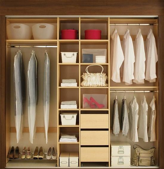 Вариант наполнения шкафа исключительно стандартными элементами.