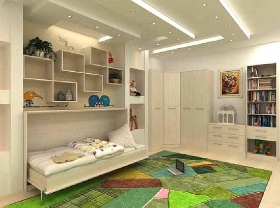 Освещение детской комнаты, выполненное в виде гипсокартонного короба с установленными в него точечными светильниками.