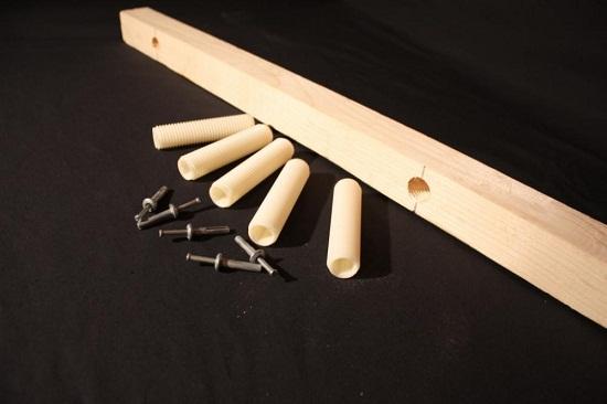 Полы по новой технологии - dnt. На фото представлен один из вариантов. Он состоит из пластиковых болтов с резьбой.